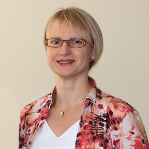 Dr. med. Anne Egbe, Fachärztin für Frauenheilkunde und Geburtshilfe